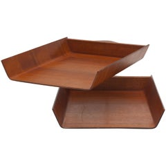 1960s Florence Knoll Pivoting Walnut Plywood Desk Tray by Knoll