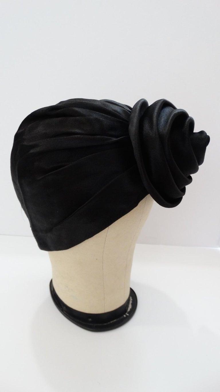 1960s Frank Olive Black Satin Rose Turban In Good Condition For Sale In Scottsdale, AZ