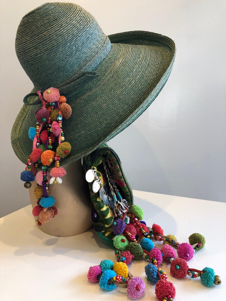 1960s Frank Olive Jade Green Straw Hat & Moroccan Textile Boho Clutch In Excellent Condition For Sale In San Francisco, CA