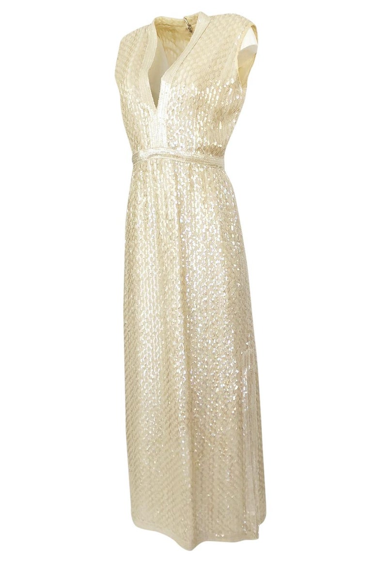 1960s Fred Perlberg Long Ivory Fully Sequinned Plunge Dress In Excellent Condition For Sale In Rockwood, ON