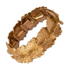 1960s French Gold Leaf Design Bracelet