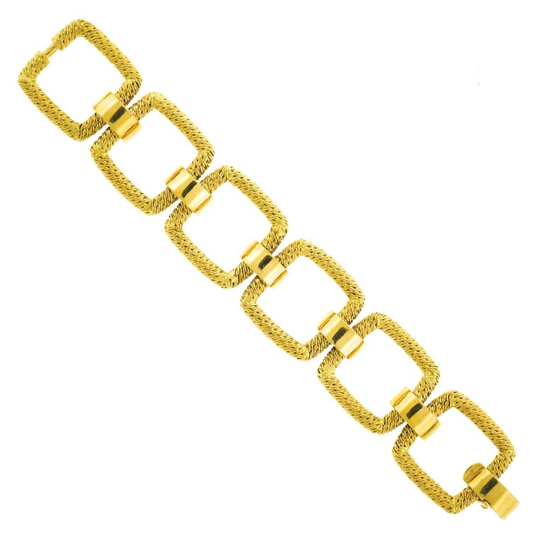 1960s French Mod Gold Bracelet In Excellent Condition For Sale In Litchfield, CT