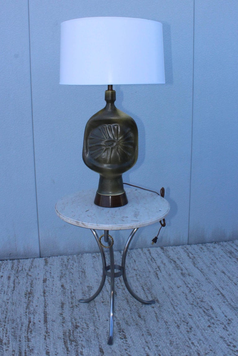 Mid-Century Modern 1960s French Modernist Pottery Table Lamp For Sale