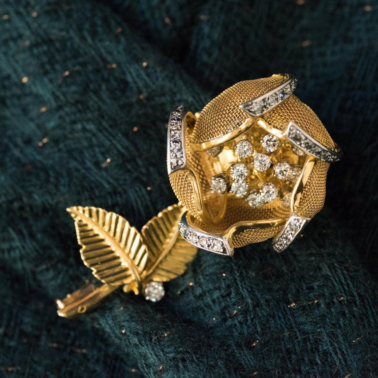 1960s French Retro Rose Shape Articulated Diamond Yellow Gold Brooch For Sale 3