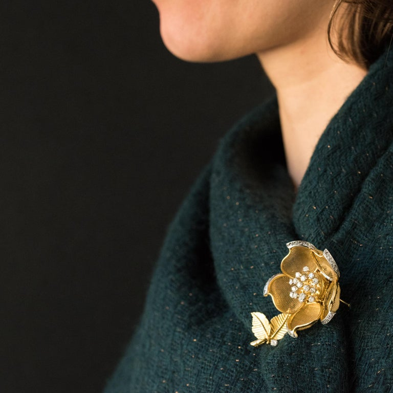 1960s French Retro Rose Shape Articulated Diamond Yellow Gold Brooch For Sale 4