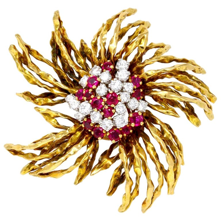1960s French Ruby and Diamond Brooch in 18 Karat Yellow Gold For Sale