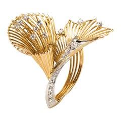1960s French Vintage Diamond 18 Karat Yellow Gold Brooch