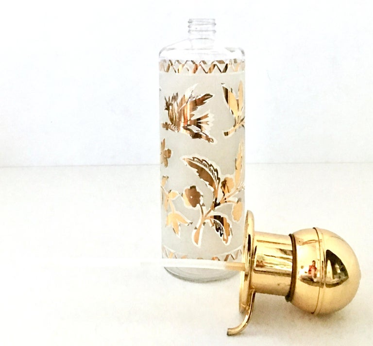 1960s Frosted Glass and 22-Karat Gold and Gilt Brass Drinks Set of 9 In Good Condition For Sale In West Palm Beach, FL