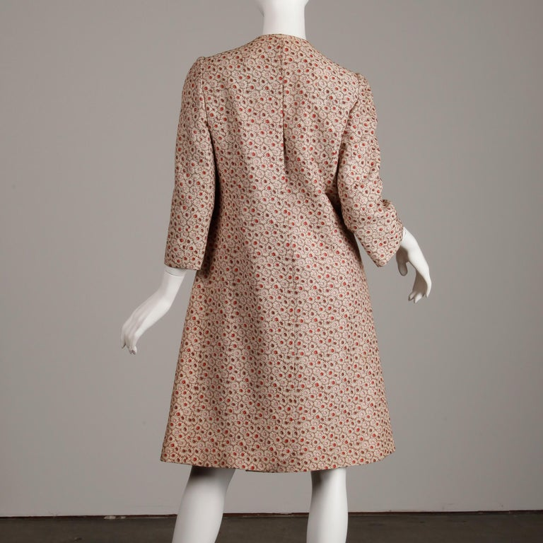1960s Galanos Vintage Floral Print Mod Coat with Cropped Sleeves + Red Lining For Sale 6
