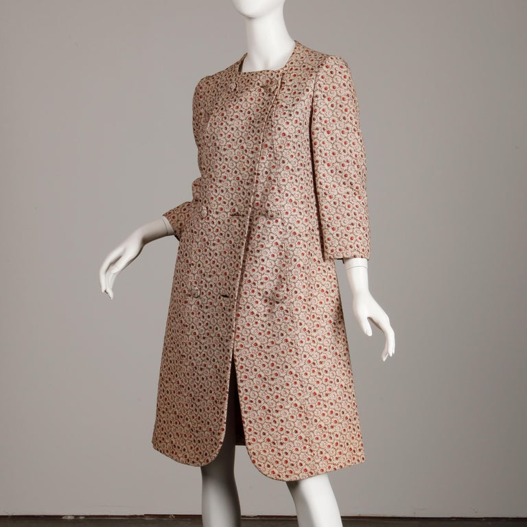 Women's 1960s Galanos Vintage Floral Print Mod Coat with Cropped Sleeves + Red Lining For Sale
