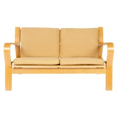 1960s GE671 Settee by Hans J. Wegner for GETAMA in Laminated Oak