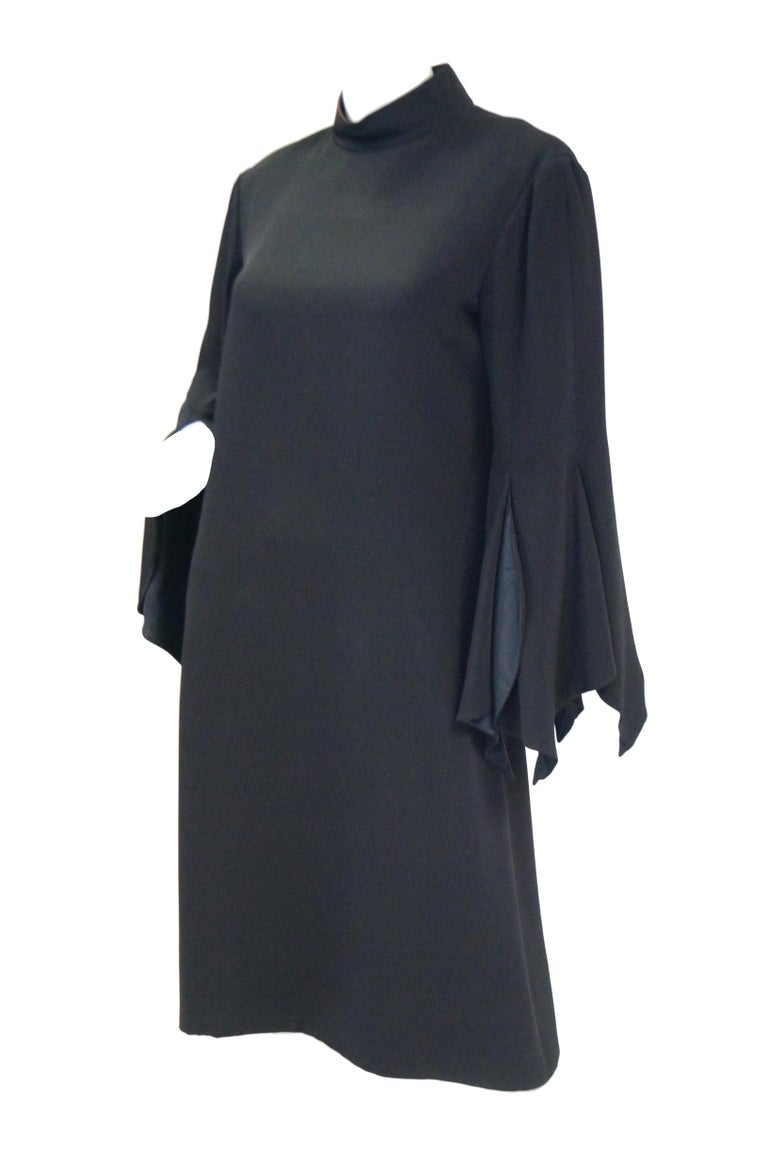 1960s Geoffrey Beene Black Petal Bell Sleeve Cocktail Dress In Excellent Condition For Sale In Houston, TX