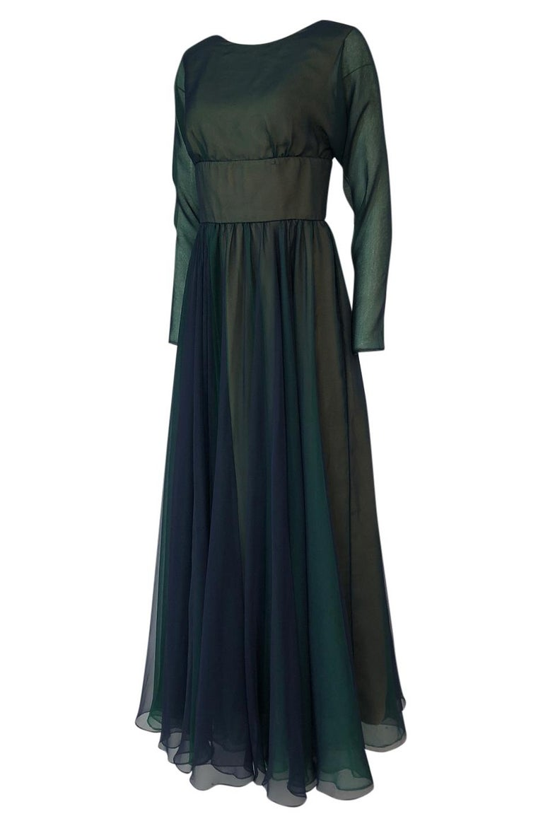 1960s Geoffrey Beene Blue & Green Backless Layered Chiffon Dress In Excellent Condition For Sale In Rockwood, ON