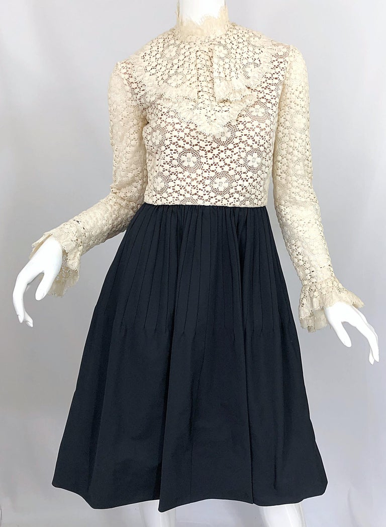 1960s Geoffrey Beene Ivory Crochet and Black Silk Taffeta Vintage 60s Dress For Sale 5