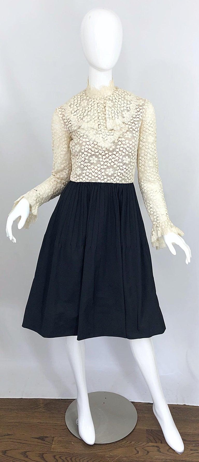 1960s Geoffrey Beene Ivory Crochet and Black Silk Taffeta Vintage 60s Dress For Sale 10