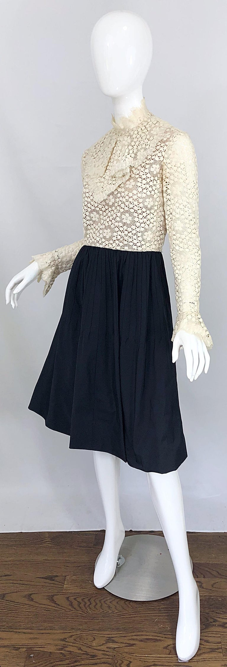 1960s Geoffrey Beene Ivory Crochet and Black Silk Taffeta Vintage 60s Dress For Sale 2