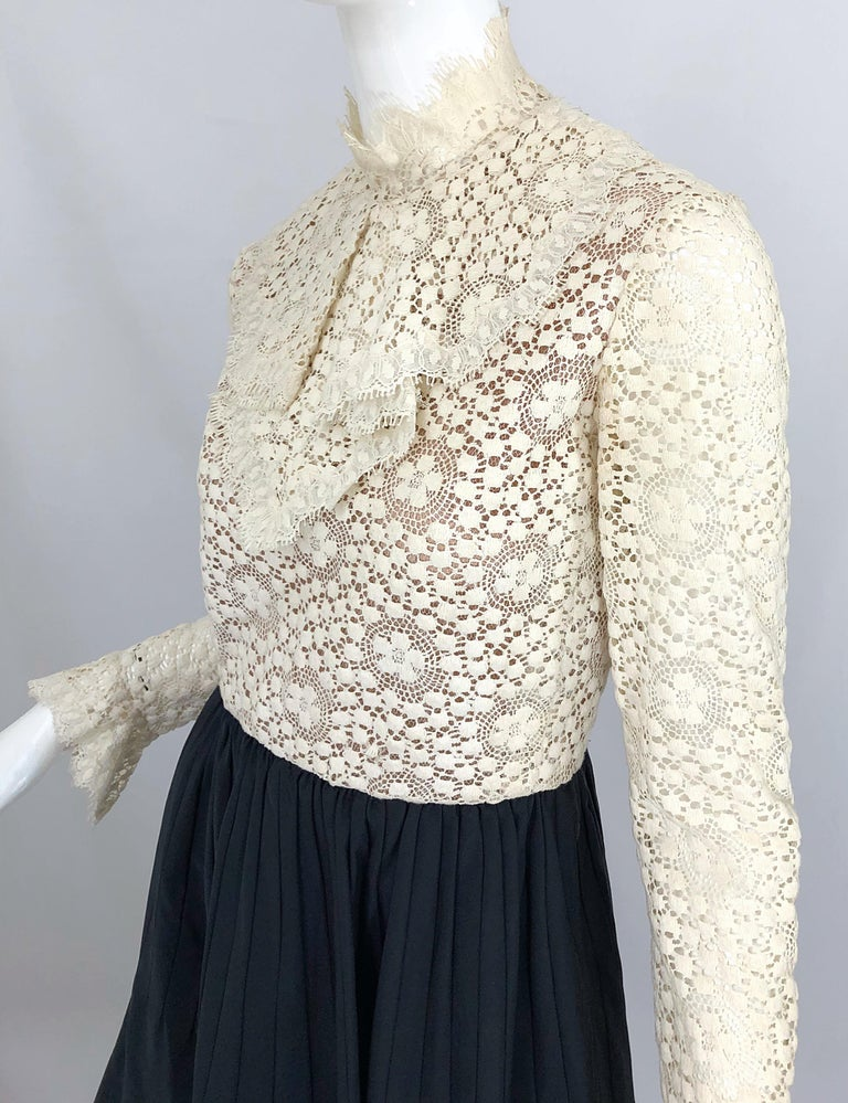 1960s Geoffrey Beene Ivory Crochet and Black Silk Taffeta Vintage 60s Dress For Sale 4