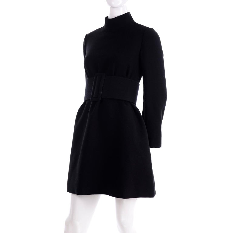 1960s Geoffrey Beene Vintage Black Knit Mini Tent Dress With Wide Belt In Excellent Condition For Sale In Portland, OR
