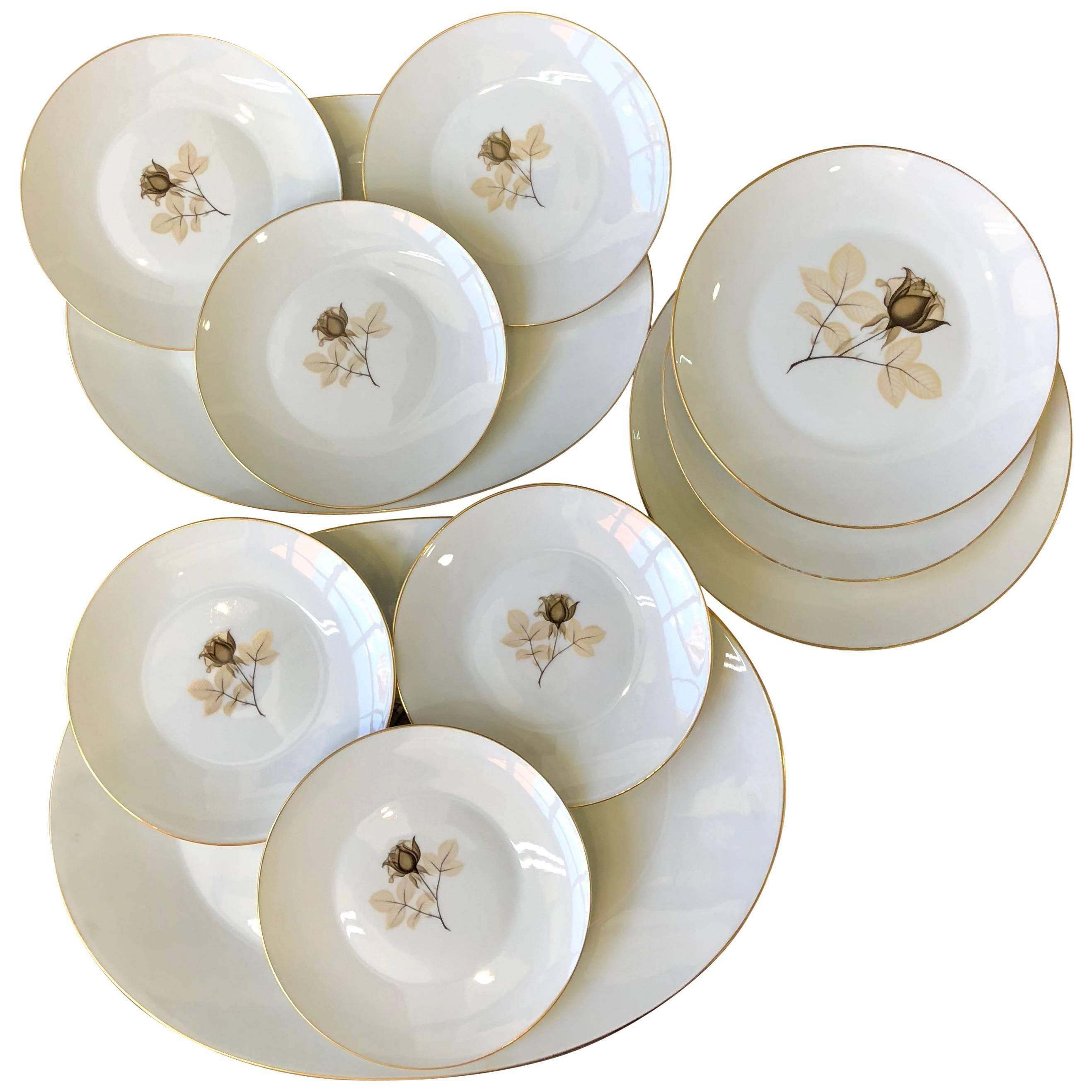 1960s German Flower Porcelain 24-Karat Gold Plates Set of 11 by Rosenthal