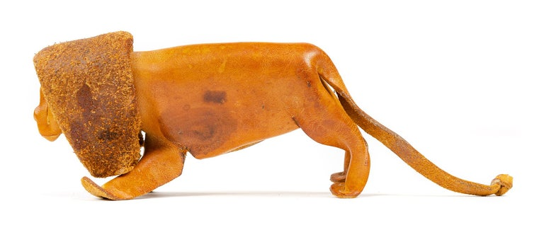 1960s German Leather Toy Lion by Deru In Good Condition For Sale In Sagaponack, NY