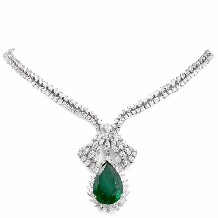 1960s GIA Emerald Diamond Choker Pendant Necklace In Good Condition For Sale In Miami, FL