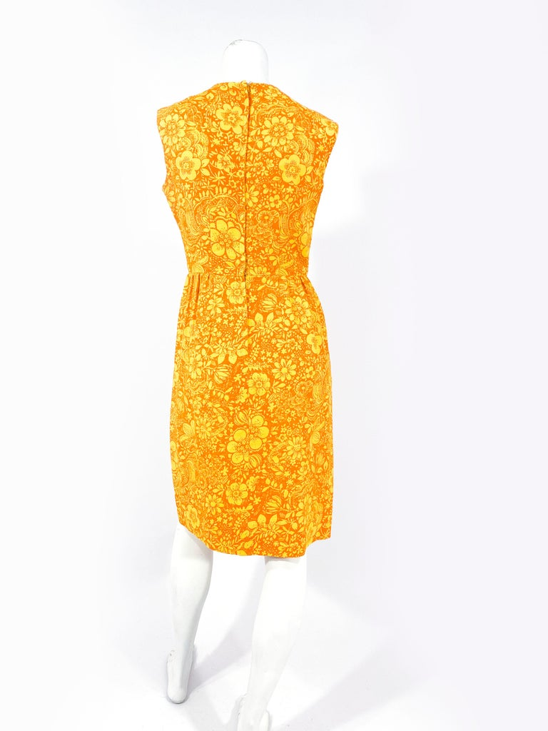 1960s Gold and Orange Floral Printed Cotton Dress For Sale 2