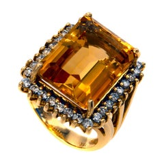 1960s Golden Citrine Diamond 18 Karat Gold Ring