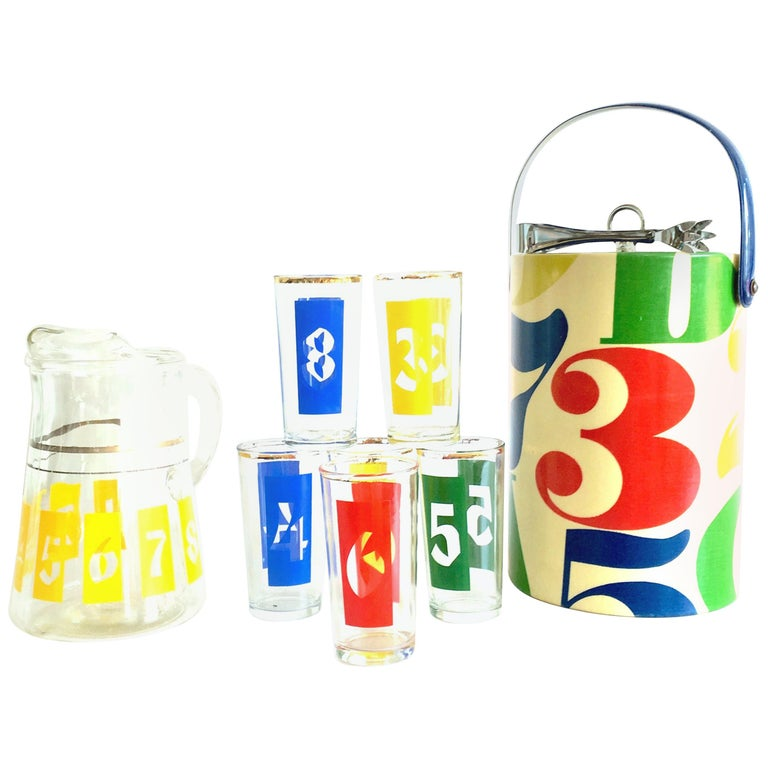 """1960s Groovy Graphic """"Numbers"""" Printed Glass Bar Set of 10 For Sale"""