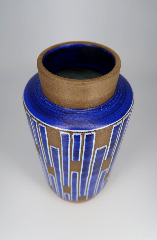 1960s Handmade Danish Ceramic Cobalt Blue Striped Vase by Schollert Keramik In Good Condition For Sale In Copenhagen, DK