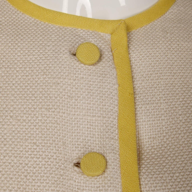 1960s Harvey Berin by Karen Stark Vintage Yellow + White Linen Sheath Dress In Excellent Condition For Sale In Sparks, NV