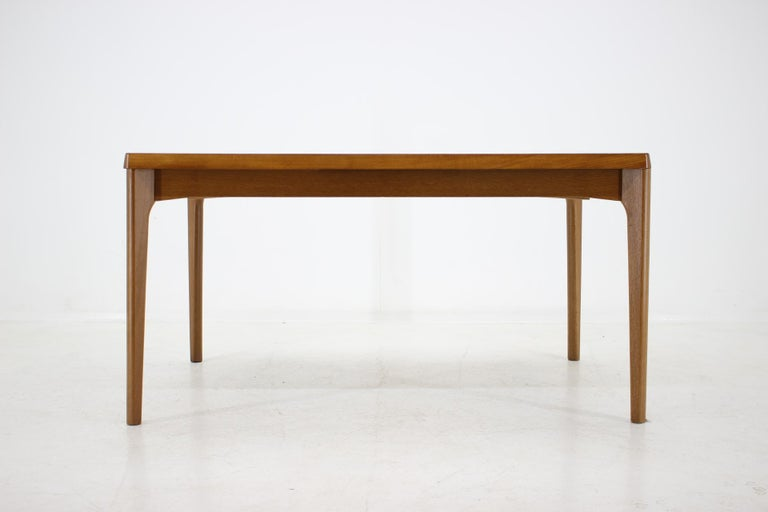 Made by Vejle Mobelfabrik, Denmark. Can be extended up to 239 cm. This item was carefully restored.