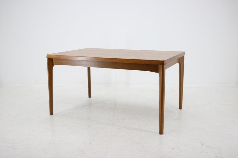 1960s Henning Kjærnulf Danish Oak Extendable Table In Good Condition In Barcelona, ES