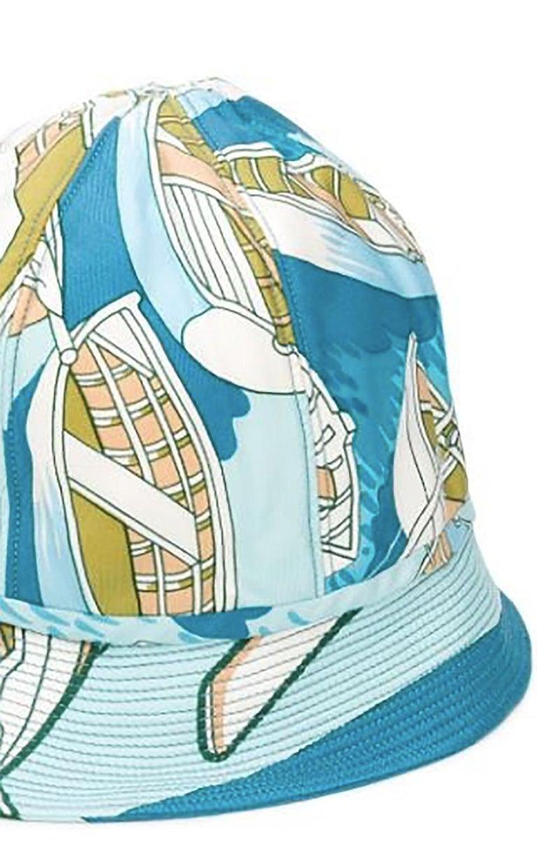 1960s Hermes Blue Silk Bucket Hat Cap In Good Condition For Sale In Paris, FR