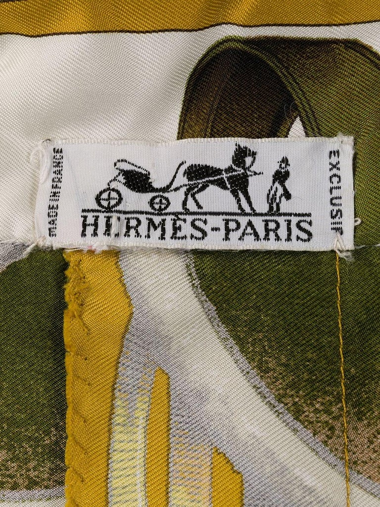 1960s Hermes Ivory Jumping by Ledoux Silk Shirt  In Good Condition For Sale In Paris, FR