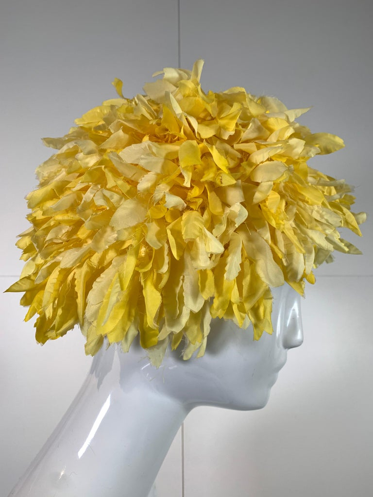 1960s I. Magnin yellow and white silk floral petal millinery hat / turban. Size Medium.