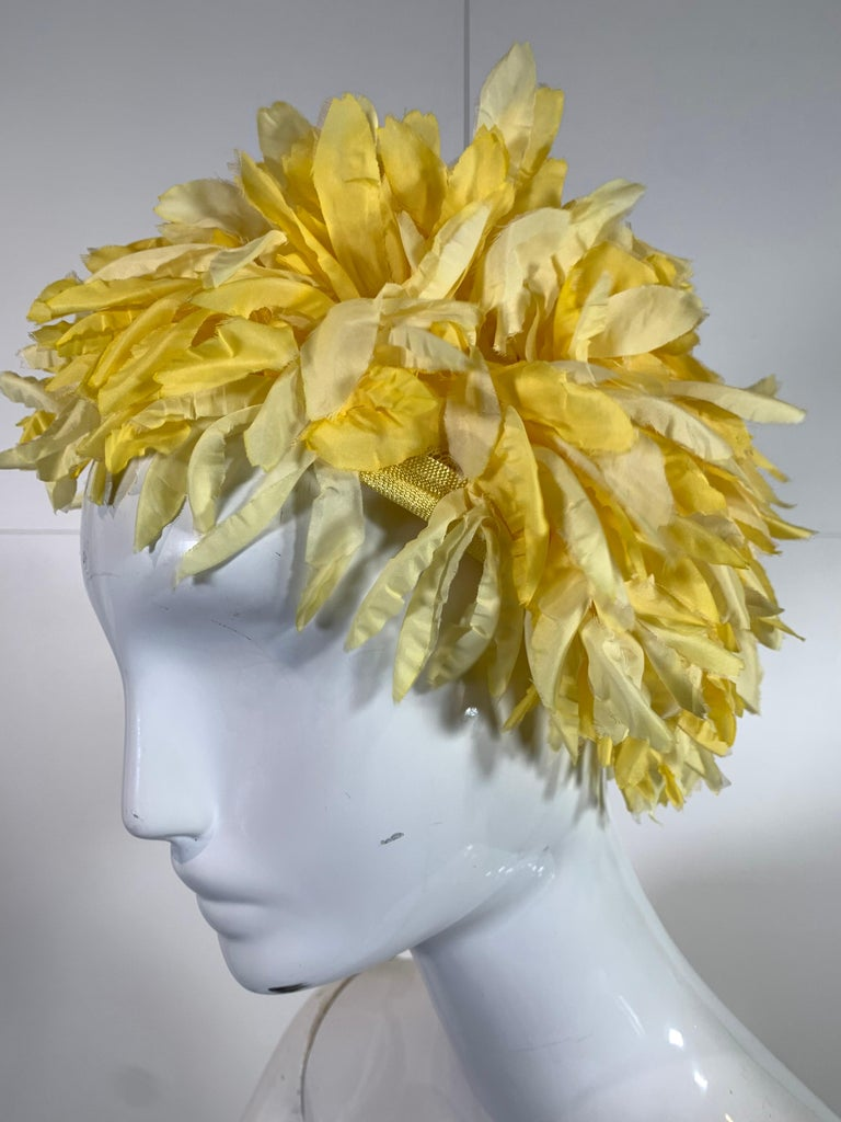 1960s I. Magnin Yellow and White Floral Petal Millinery Turban  Hat  For Sale 1