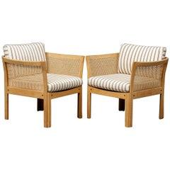 1960s Illum Wikkelsø Danish Plexus Lounge Chairs in Oak and White Fabric
