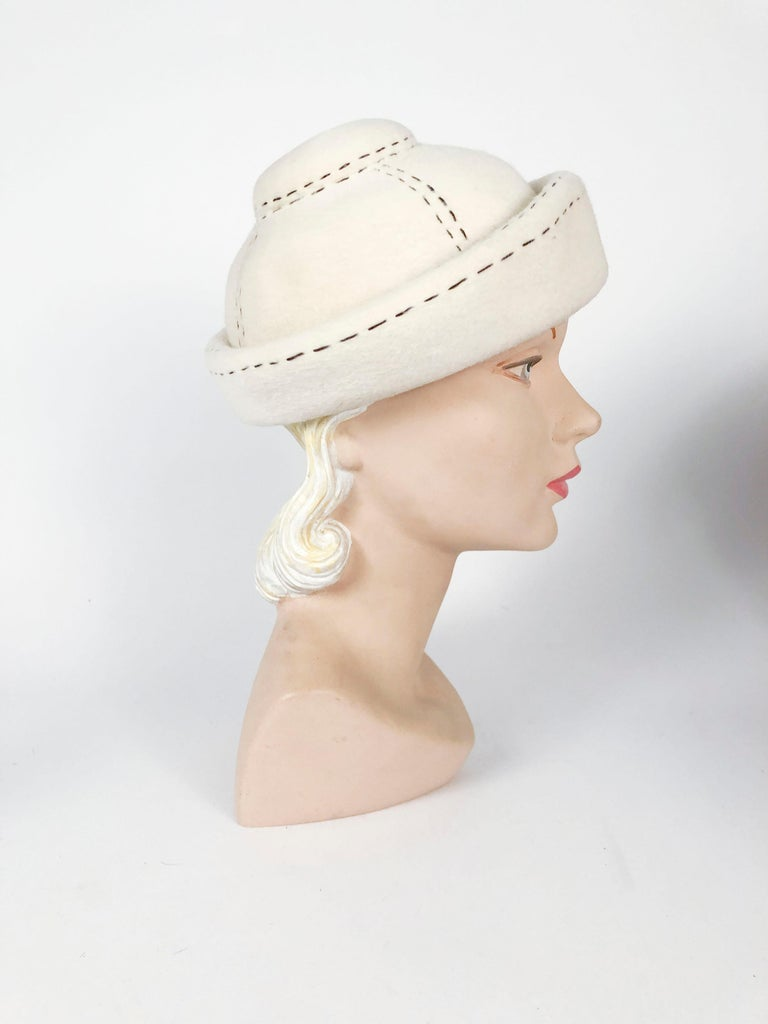 1960s Irene of New York Cream Hat In Good Condition For Sale In San Francisco, CA