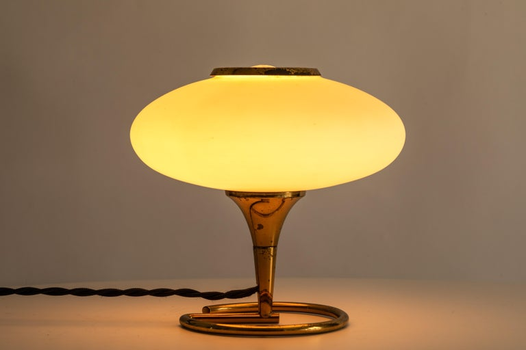 Mid-Century Modern 1960s Italian Brass and Glass Table Lamp Attributed to Stilnovo For Sale