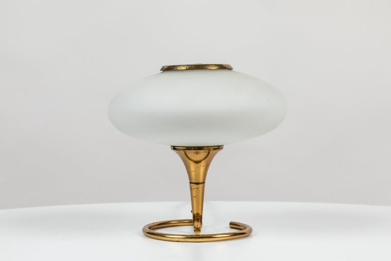 Mid-20th Century 1960s Italian Brass and Glass Table Lamp Attributed to Stilnovo For Sale