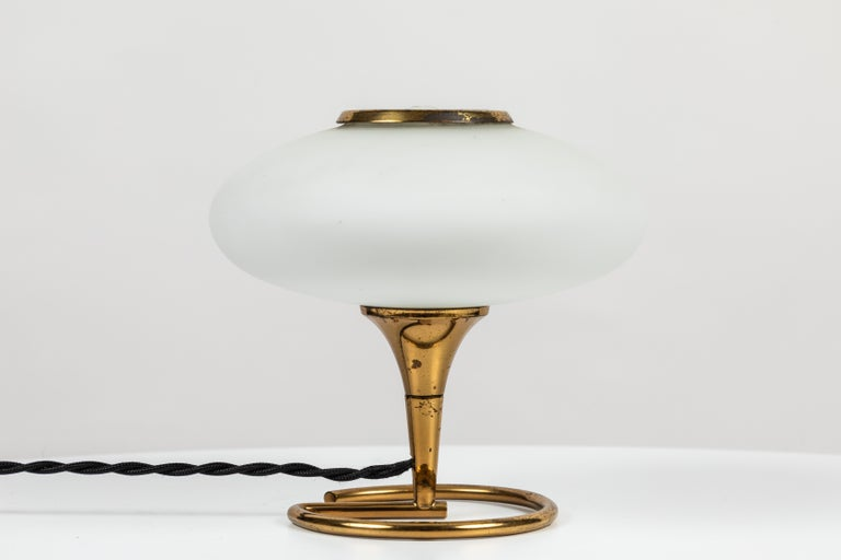 1960s Italian Brass and Glass Table Lamp Attributed to Stilnovo For Sale 2
