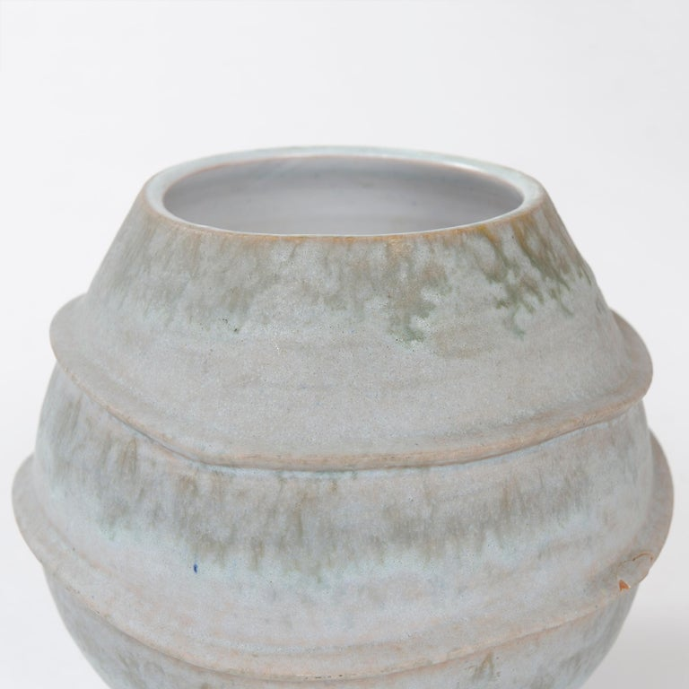 Mid-Century Modern 1960s Italian Ceramic Footed Vase by Raymor For Sale