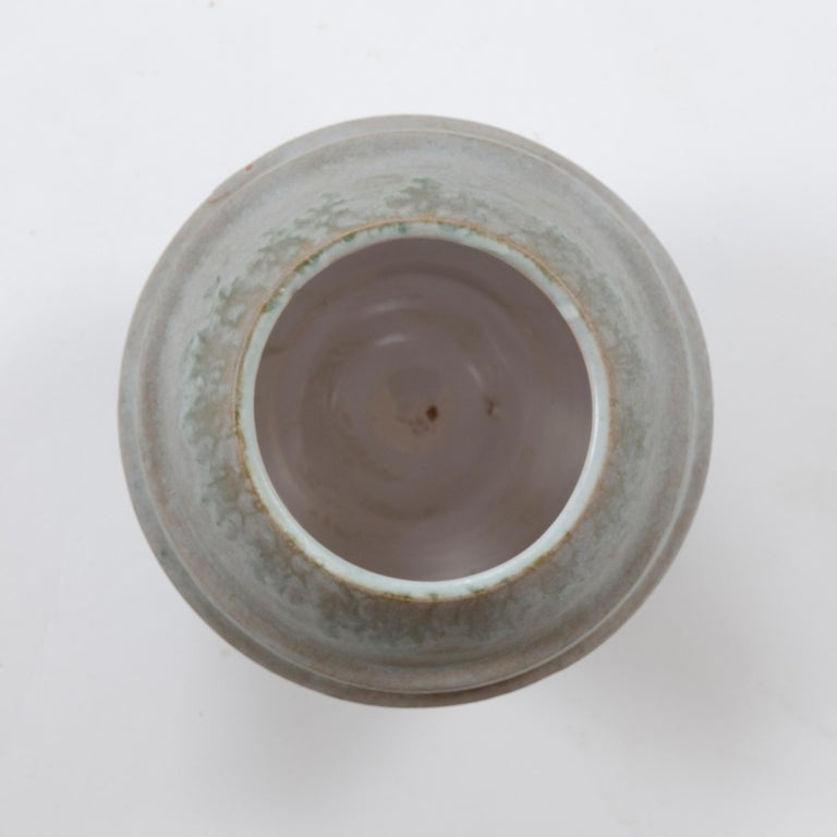 1960s Italian Ceramic Footed Vase by Raymor In Good Condition For Sale In Sagaponack, NY