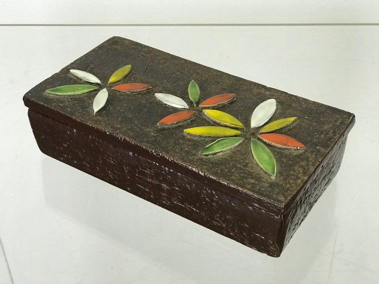 1960s Italian Ceramic Lidded Box with Flower Relief by Bitossi for Raymor For Sale 5