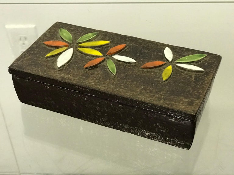 Mid-Century Modern 1960s Italian Ceramic Lidded Box with Flower Relief by Bitossi for Raymor For Sale