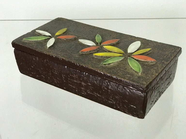 Mid-20th Century 1960s Italian Ceramic Lidded Box with Flower Relief by Bitossi for Raymor For Sale