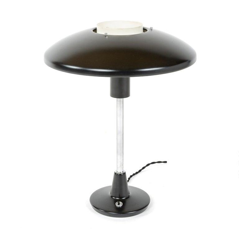 Mid-Century Modern 1960s Italian Desk Lamp by Stilnovo For Sale