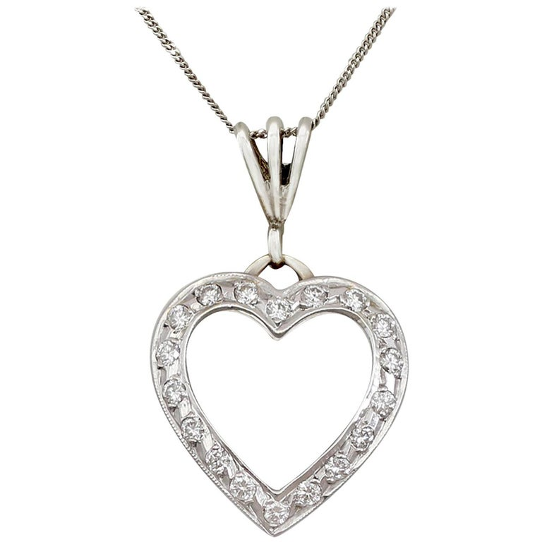 85c9104ffd 1960s Italian Diamond and White Gold Heart Pendant For Sale at 1stdibs