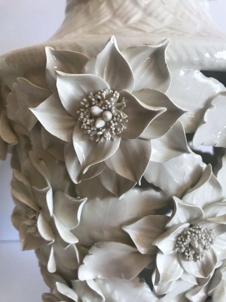 1960s Italian Hollywood Regency Ceramic Floral Pendant Lights For Sale 5