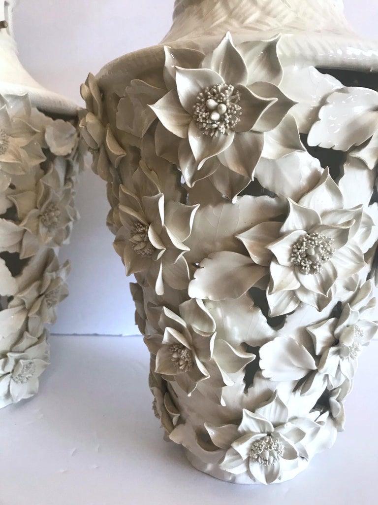1960s Italian Hollywood Regency Ceramic Floral Pendant Lights For Sale 2